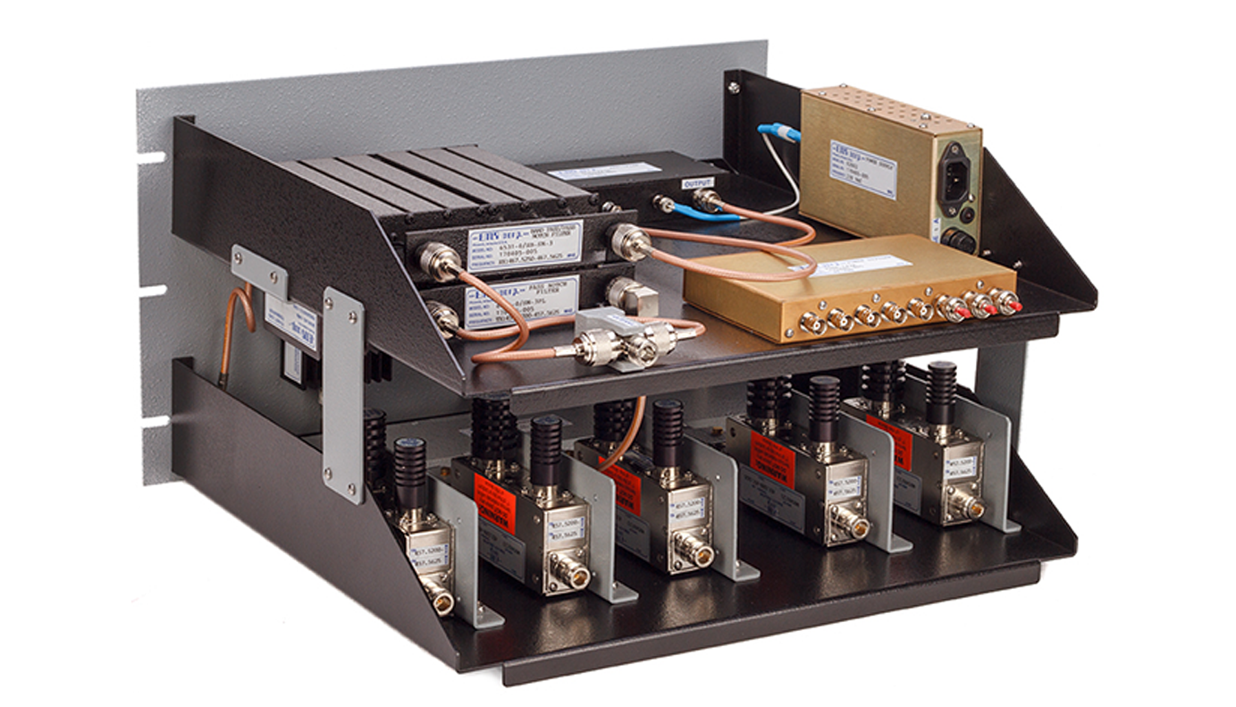Compact Combiner SYS Series 300-650 MHz UHF25452/SYS-50