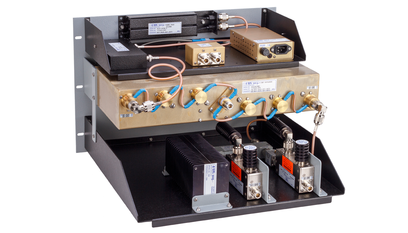 Compact Combiner SYS Series 300-650 MHz UHF25522/SYS-100